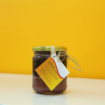 Honing met Aroniabessen